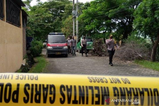 Tetangga akui dua terduga teroris yang digerebek Densus 88 tertutup