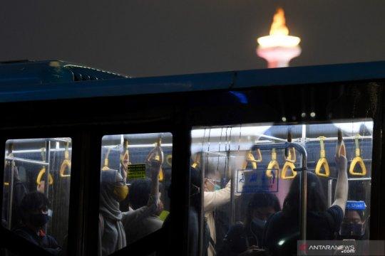 Ada pencurian di bus, TransJakarta tambah petugas keamanan