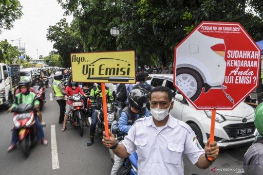 Uji emisi kendaraan bermotor di Jakarta