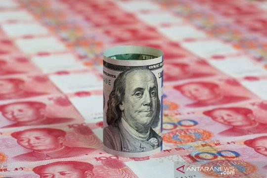 Yuan terus melemah, turun 59 basis poin jadi 6,4823 terhadap dolar AS