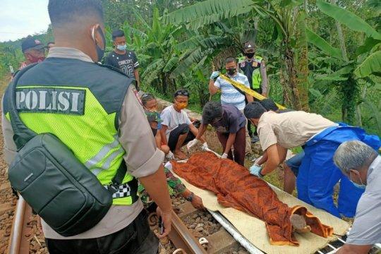 Polisi Blitar tangani warga meninggal tertabrak KA