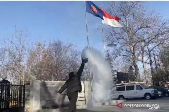 Staf KBRI Beijing turut viralkan fenomena pembekuan air mendidih