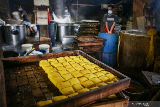 Produsen tempe di Jaktim beradaptasi dengan harga bahan baku