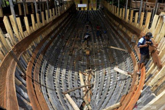 Upah pekerja pembuat kapal pinisi di Bulukumba