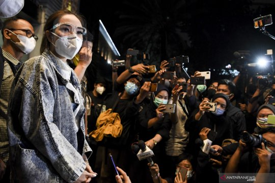 Terharu, Penyanyi Gisel minta dukungan jalani proses hukum