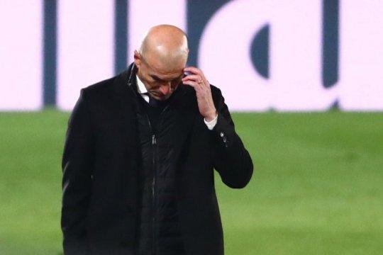 Zidane akui tetap tenang meski terancam dipecat Real Madrid