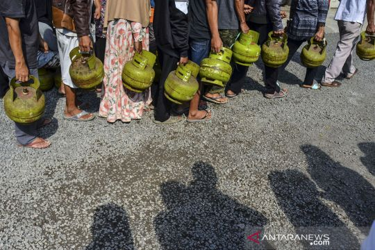 Kelangkaan gas elpiji 3 kg di Tasikmalaya