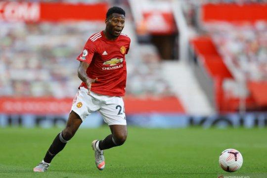 Timothy Fosu-Mensah merapat ke Bayer Leverkusen