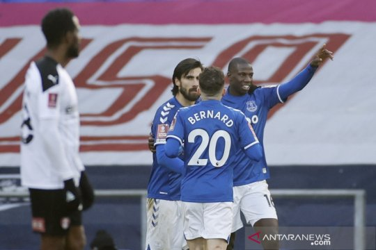 Everton butuh babak tambahan untuk singkirkan tim strata kedua