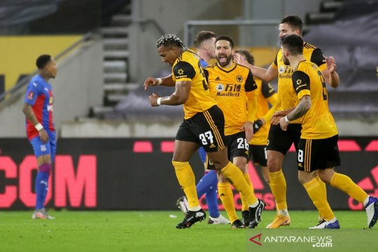 Gol tunggal Adama Traore antar Wolverhampton lewati Crystal Palace