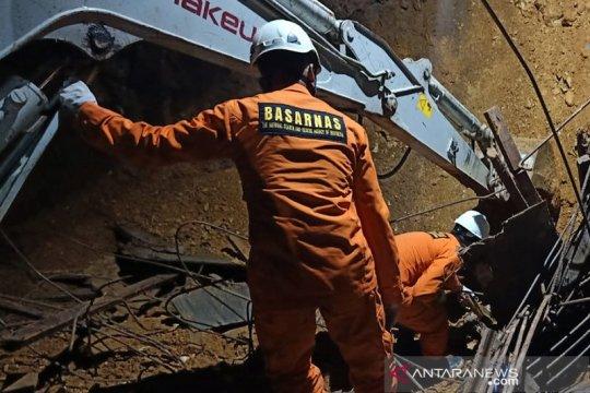 Tim SAR gabungan temukan dua korban longsor di Batam meninggal