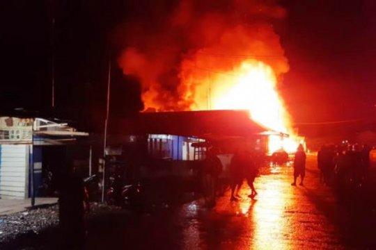 Kemarin, Polisi tembak tersangka di Medan hingga korban pesawat jatuh