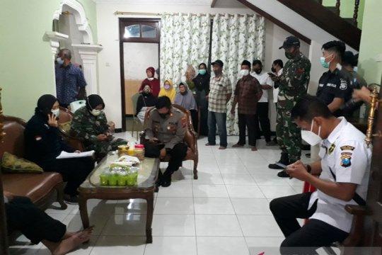 Tim DVI Polda Jatim ambil sampel darah keluarga di Kediri