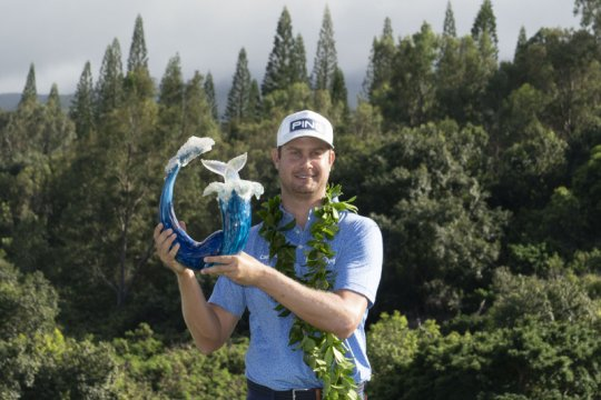 Sebuah birdie antarkan Harris English juara di Hawaii