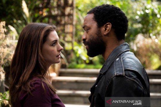 """Sajikan komedi romantis, film """"Locked Down"""" tayang mulai 14 Januari"""