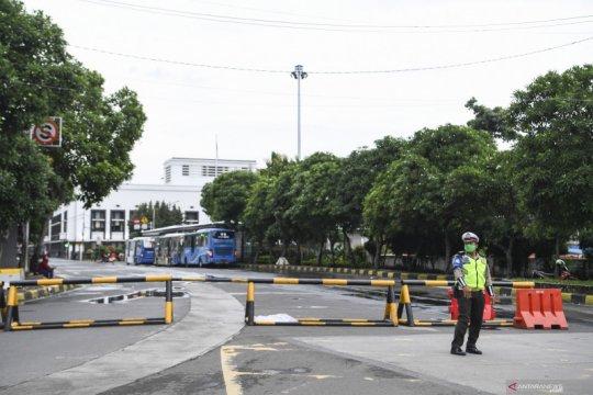 Satpol PP DKI telah tindak ribuan pelanggar prokes selama PSBB ketat