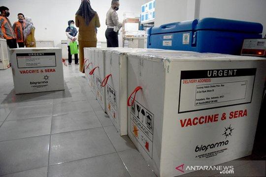 Vaksin COVID-19 mulai didistribusikan ke kabupaten dan kota di Riau
