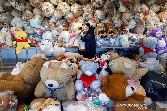 "Boneka-boneka teddy bear ""hibernasi"" di Hungaria, tunggu pandemi usai"