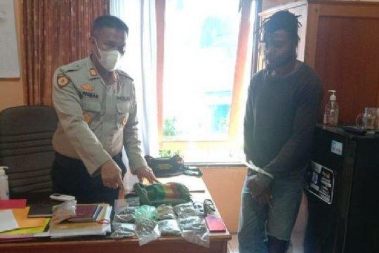 Polisi tangkap pengedar ganja di Nabire, Papua