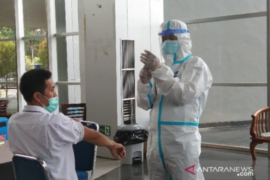 Pelaksanaan vaksinasi COVID-19 di Banten dimulai besok