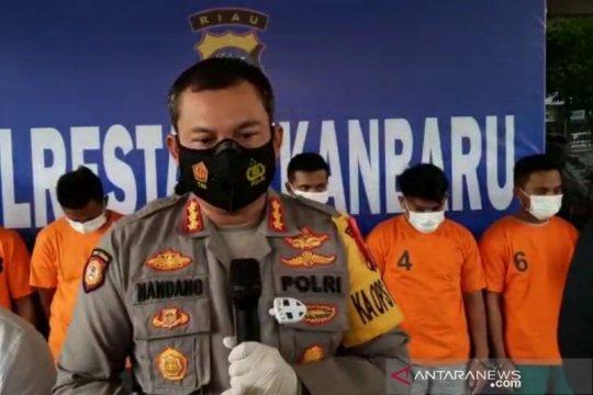 Polresta Pekanbaru menyita 4 kg sabu-sabu dari Malaysia