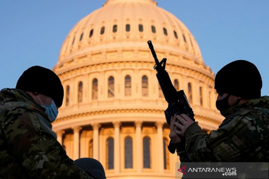 Pasukan Garda Nasional AS berjaga di Capitol Hill