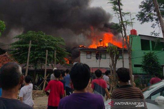 150 warga Menteng Dalam Jakarta Selatan mengungsi karena kebakaran