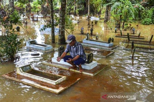 Luapan Sungai Citanduy rendam TPU