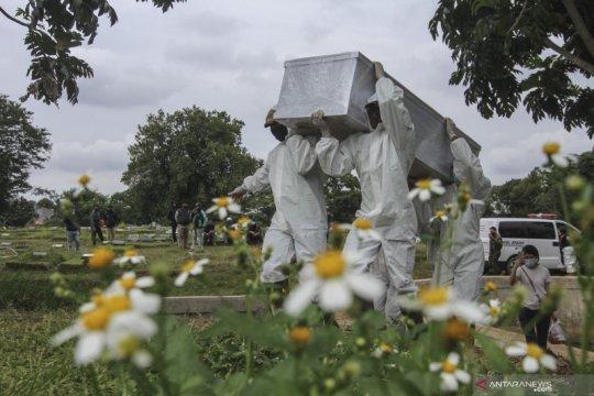 Pemakaman khusus COVID-19 Srengseng Sawah hampir penuh