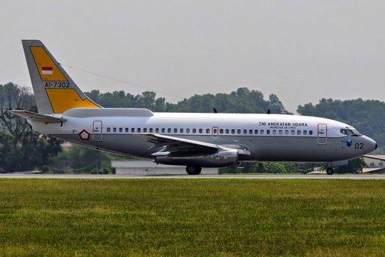 Boeing B-737 Skuadron Udara 5 TNI AU amati lokasi gempa dari udara