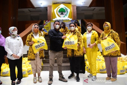 IIPG bagikan paket sembako untuk pekerja media terdampak COVID-19