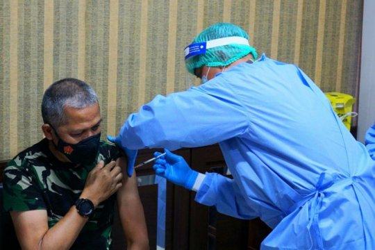Kapuskes TNI ajak warga antusias vaksinasi COVID-19