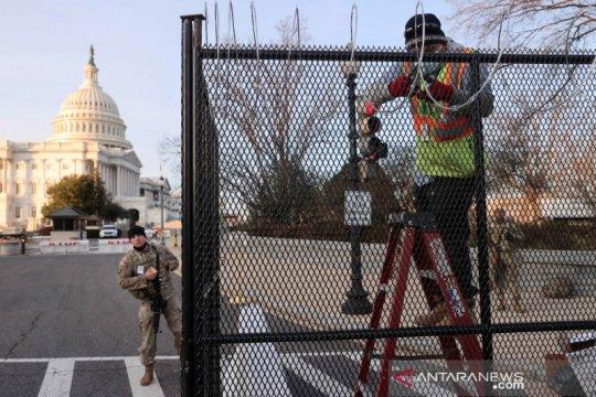 35 polisi AS diperiksa karena kerusuhan di Capitol pada 6 Januari