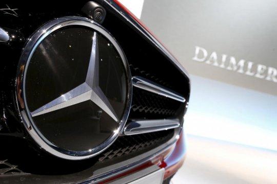 Daimler susul VW pangkas produksi karena krisis semikonduktor
