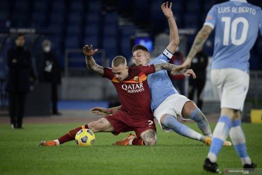 Luis Alberto sumbang dua gol saat Lazio bekuk Roma