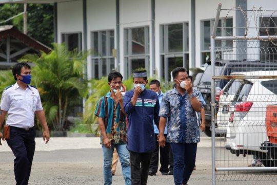 Keluarga korban Sriwijaya Air Lampung jemput kedatangan jenazah