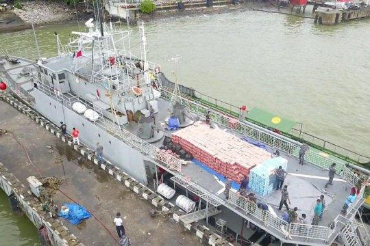 KRI Tongkol 813 angkut bantuan logistik untuk korban gempa Sulbar