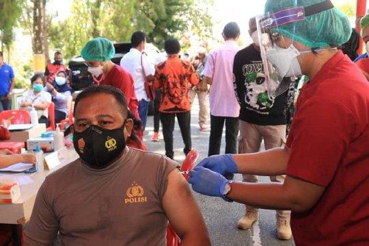 33 warga Kota Jayapura divaksin COVID-19
