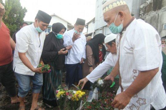 Iksan korban Sriwijaya pertama dimakamkan di Pontianak