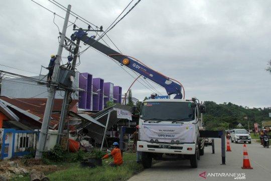 Perbaikan aliran listrik pascagempa