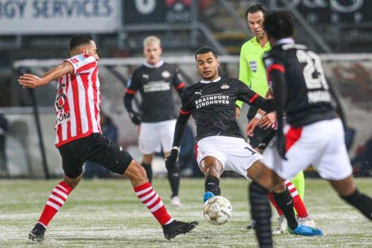 Sejumlah laga Liga Belanda ditunda akibat peringatan badai