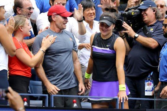 Jelang Australian Open, pelatih petenis Andreescu positif COVID-19