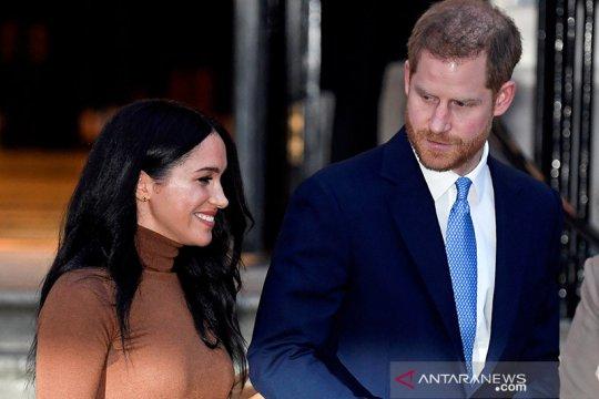Pangeran Harry bahagia meski mundur dari kerajaan, kata sahabatnya