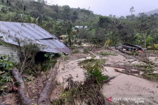 Banjir bandang merusak tujuh rumah warga di Bener Meriah, Aceh