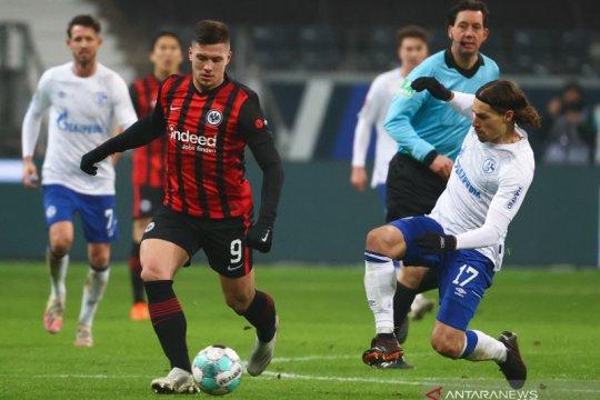 Jovic sumbang dua gol saat Frankfurt tundukkan Schalke 3-1