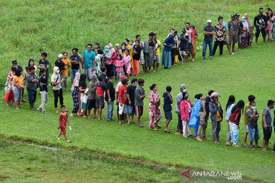 BNPB salurkan bantuan gempa Sulawesi Barat gunakan helikopter