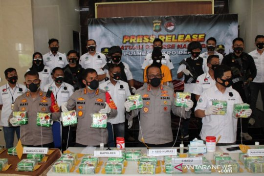 Polisi Depok sita 46 kilogram sabu dari kurir  lintas provinsi