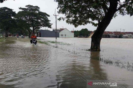 Jalur Arjawinangun ke Panguragan Cirebon terendam banjir