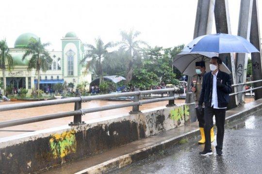 Presiden cek kerusakan infrastruktur, evakuasi dan logistik di Banjar