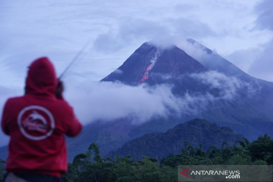 BPPTKG : Gunung Merapi sudah erupsi efusif